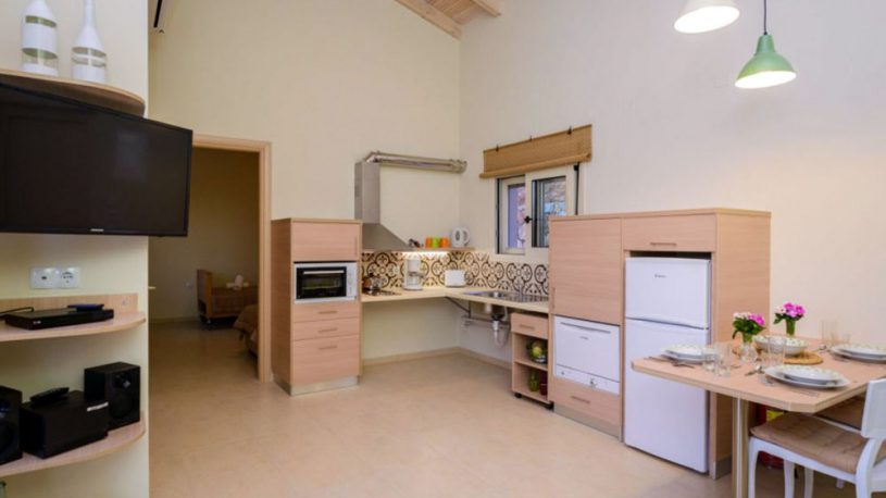 Aksos Suites - Accessible Kitchen